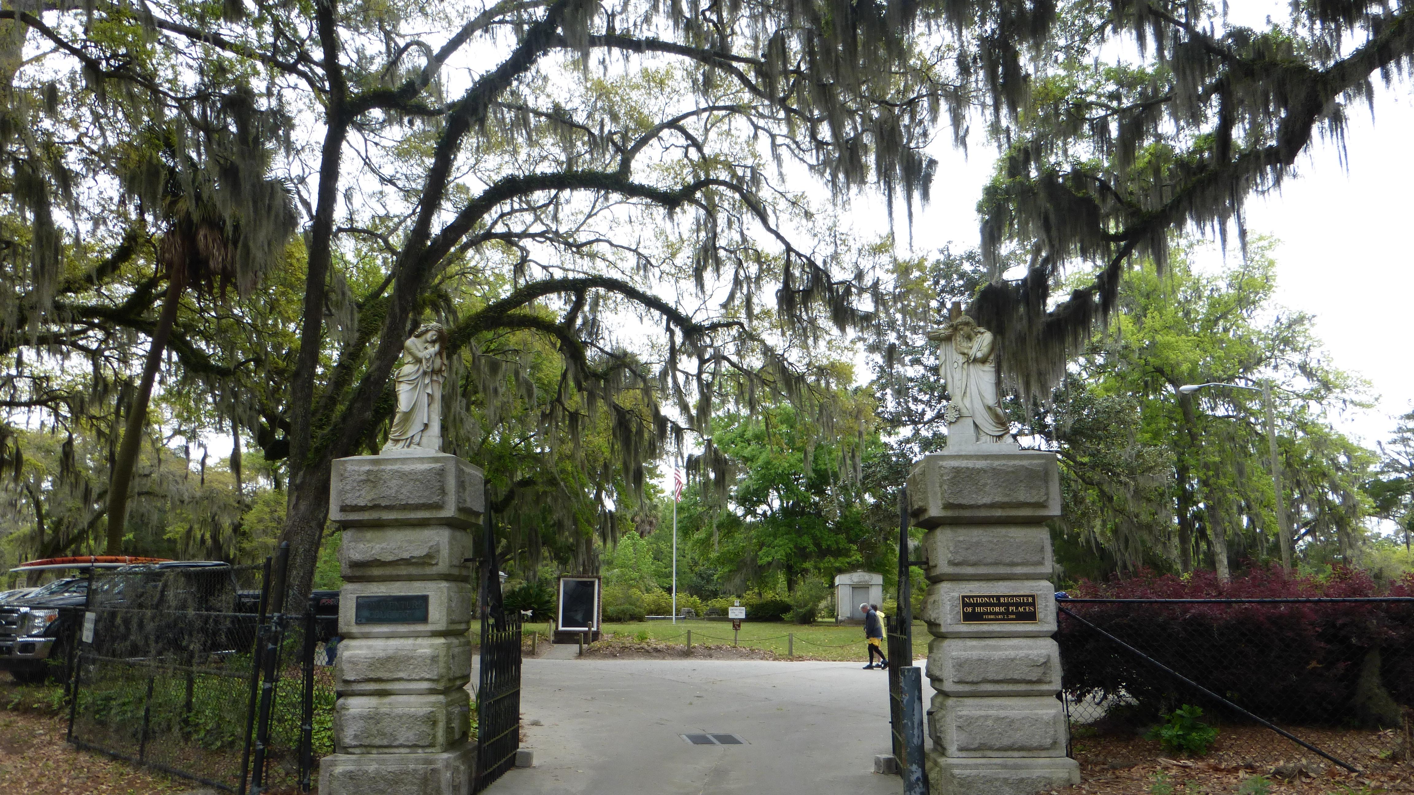 Bonaventure Cemetery And Tybee Island Sightseeing In